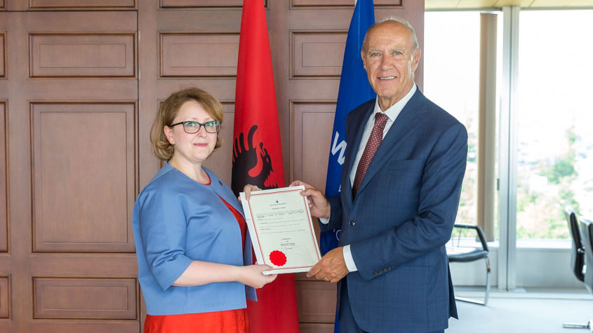 Picture of Francis Gurry and Ambassador Ravesa Lleshi, Permanent Representative of Albania